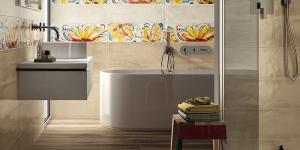 taladrar accesorios de baño en el azulejo