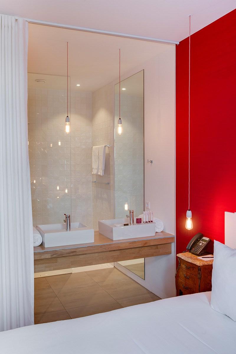 Proyectos que nos inspiran dise o minimalista en el ba o for Habitaciones con azulejos