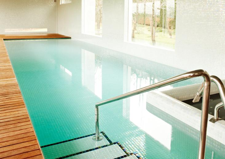 Piscinas aqualuxe azulejos pe a - Gresite piscinas colores ...