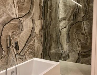 obra nueva proyecto sala de baño de lujo