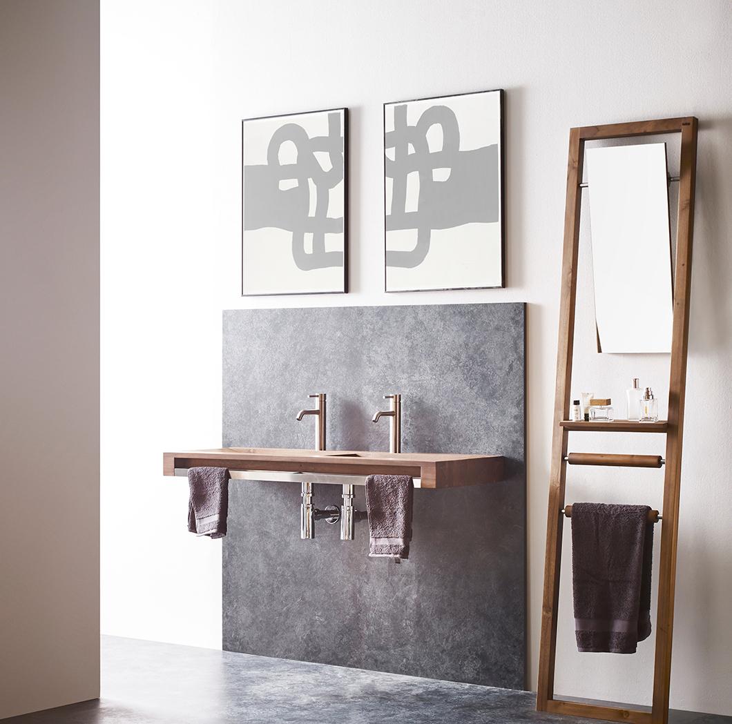 escalera-wood-bathco