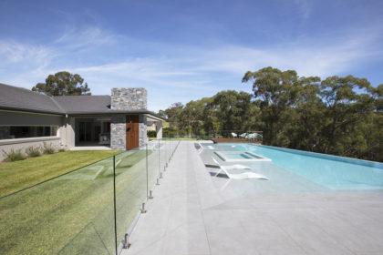 piscina con mosaico