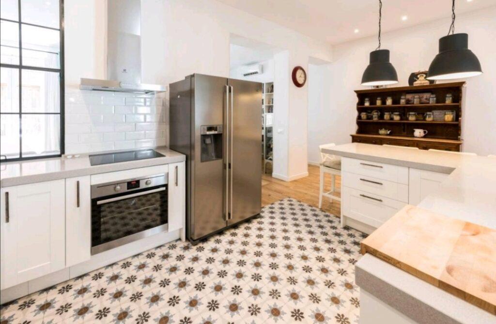 cocina con azulejo hidráulico
